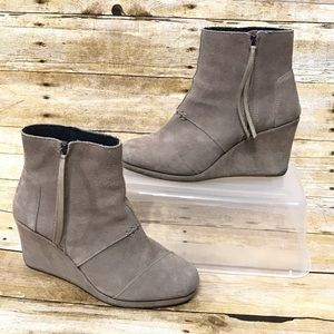 Toms Wedge Zip Up Booties